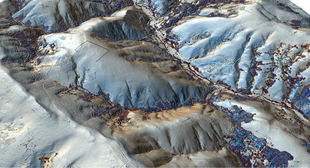 El campamento desde el sudoeste. Visualización Resampling Filter de los datos LiDAR.